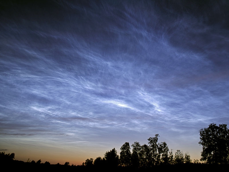 Noctilucent clouds over Sweden, 2006